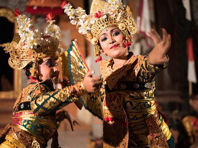 Đắm mình trong những điệu múa truyền thống ở Bali