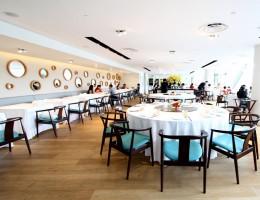 Thưởng thức ẩm thực Singapore tại các nhà hàng sang trọng